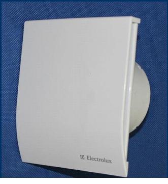 Устройство вентиляции с защитой от брызг