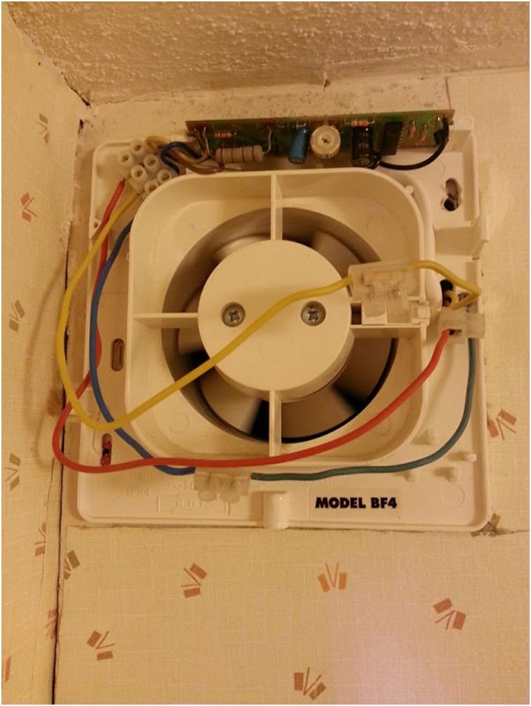 Монтаж настенного вентилятора