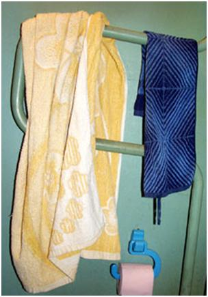 Мокрые полотенца на сушилке