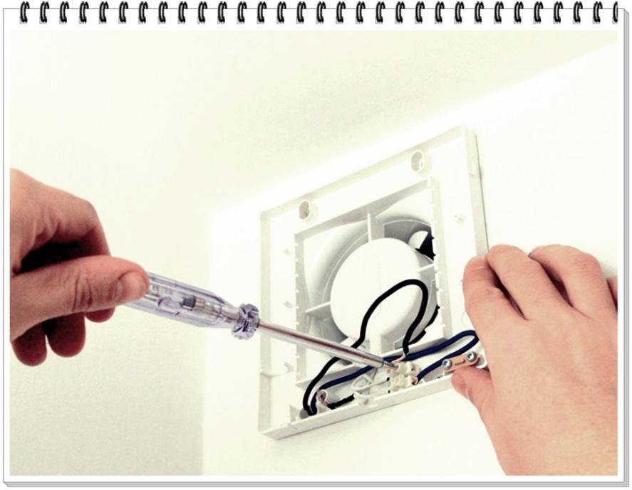Соединяем провода с зажимами устройства