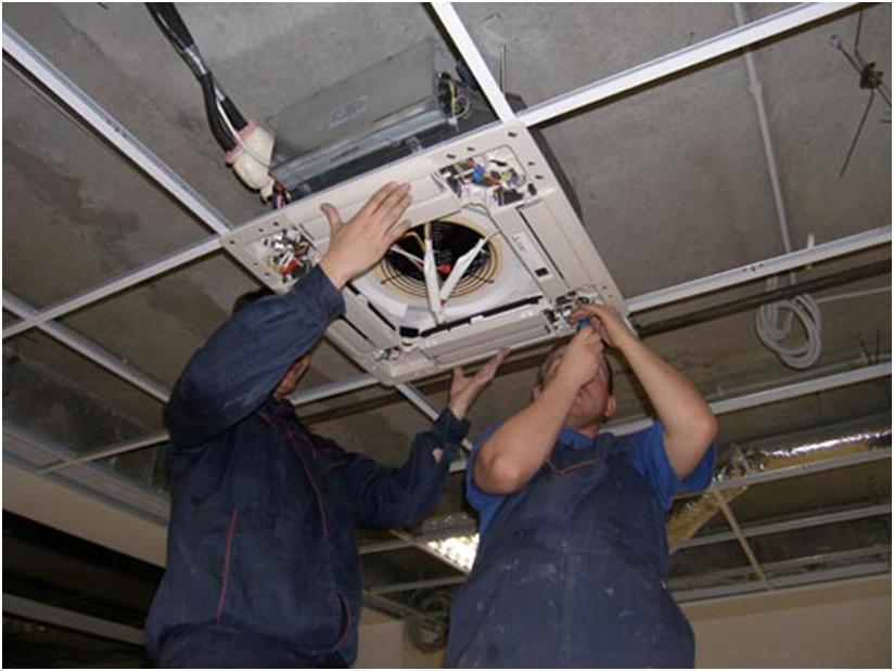 Монтаж оборудования вентиляции в помещении