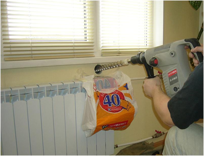 Подготовка места установки клапана в стене под окном