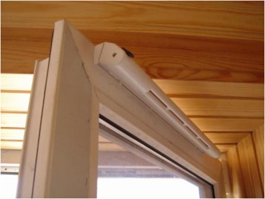Приток воздуха через клапан окна