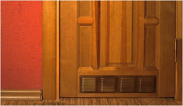 Переточные решетки внизу двери