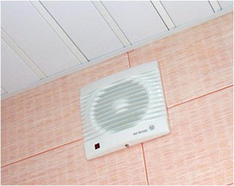 Вытяжка воздуха на стене