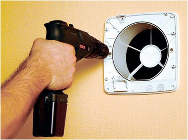 Закрепление крышки вентилятора