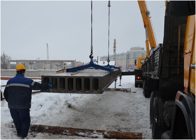 Установка бетонной плиты
