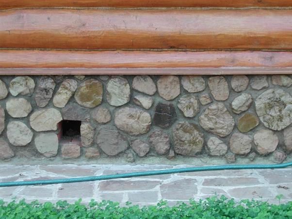 Канал в фундаменте дома